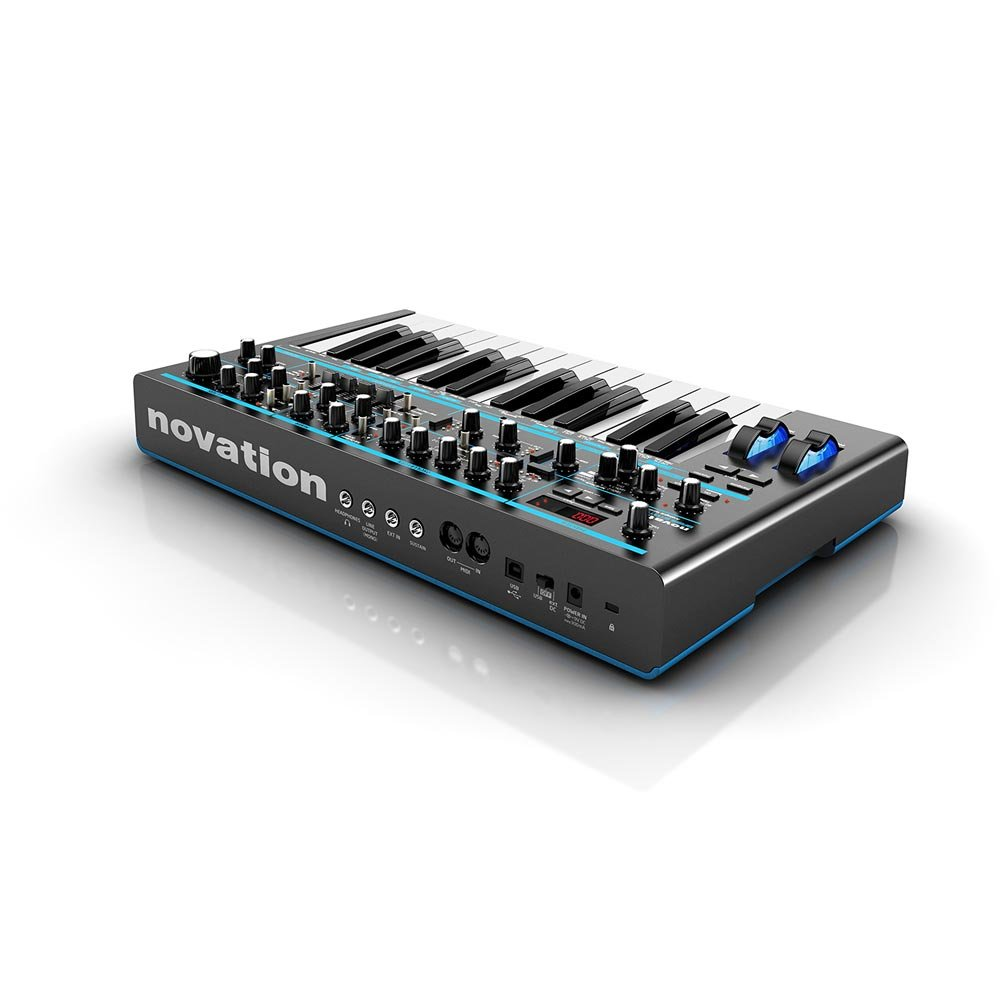Синтезатор Novation Bass Station II. Фотография 2