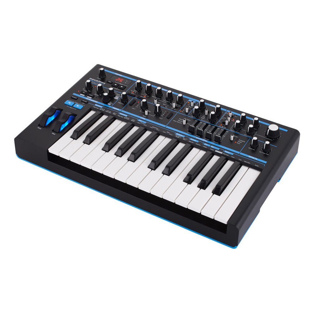 Синтезатор Novation Bass Station II. Фотография 3